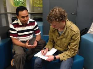 Orang Jenius sedang Merintis Pembelajaran Bahasa Indonesia Langgam Straya