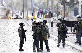 Tentara Israel sedang Berselfie Ketika Terjadi Bentrokan dengan Rakyat Sipil Palestina (credit: @GabrielHelou / Klear)
