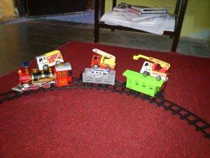 Rifqi dan Konstruksi-Mainannya, 1 Agustus 2012, Ngringo Indah