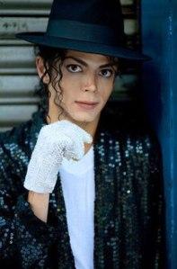 Carlo Riley sangat mencintai Michael Jackson hingga merupakan diri mirip idolanya (credit pics: almostmj.com/)